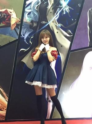 2016年韩国游戏展Gstar首日 美女求抱走