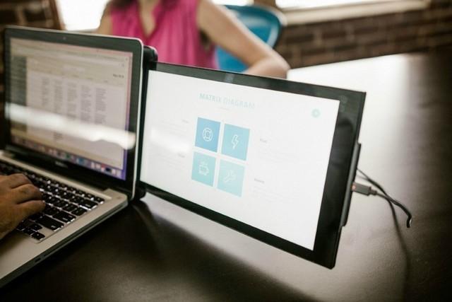 笔记本轻松变双屏的神器 居然还十分便携