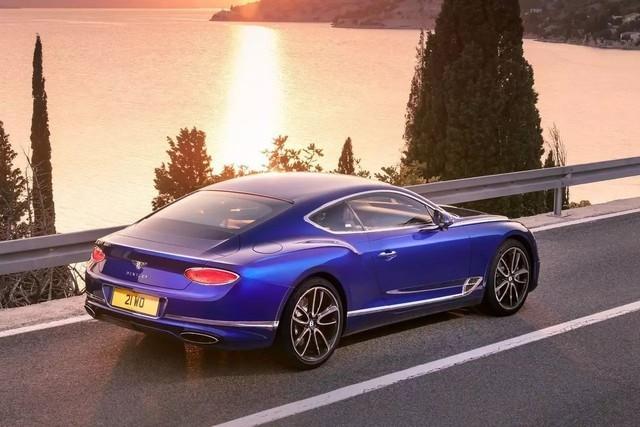 大劲撩车:看谁更豪?宾利欧陆GT你行吗?