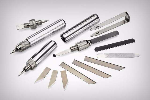 国外设计师最新设计出一款功能十分丰富的圆珠笔,目前已经在国外的网站进行销售。