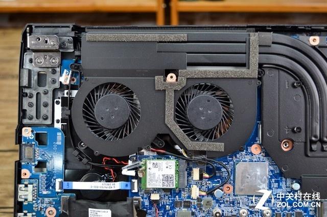 其GPU散热部分采用了双风扇四铜管。