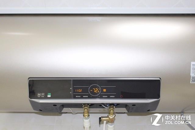 现如今居家生活早已离不开热水器,在单位忙碌一整天,回到家里冲个热水澡,洗去一天的疲惫,尽享舒适惬意!在加上现在天气越来越冷,一个舒爽的热水澡不但可以解乏,更能很好的呵护睡眠,保障身体健康。海尔推出的这款EC8003-MT3电热水器,外观设计时尚,搭载众多先进的技术,一举解决用户使用痛点,带来舒适便捷的全新使用体验。今天笔者就为大家奉上这款产品的高清图赏,赶紧一起来看看吧!